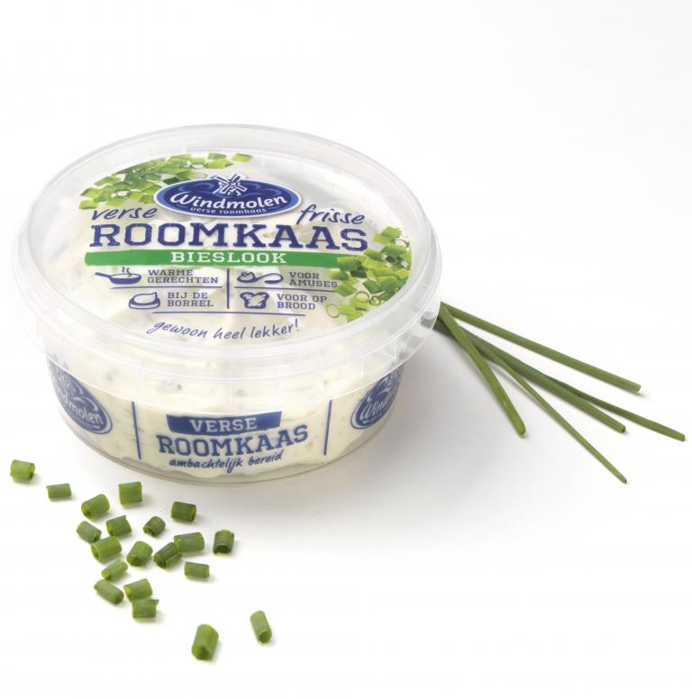 Roomkaas-Bieslook_sfeer.PNG-768x776